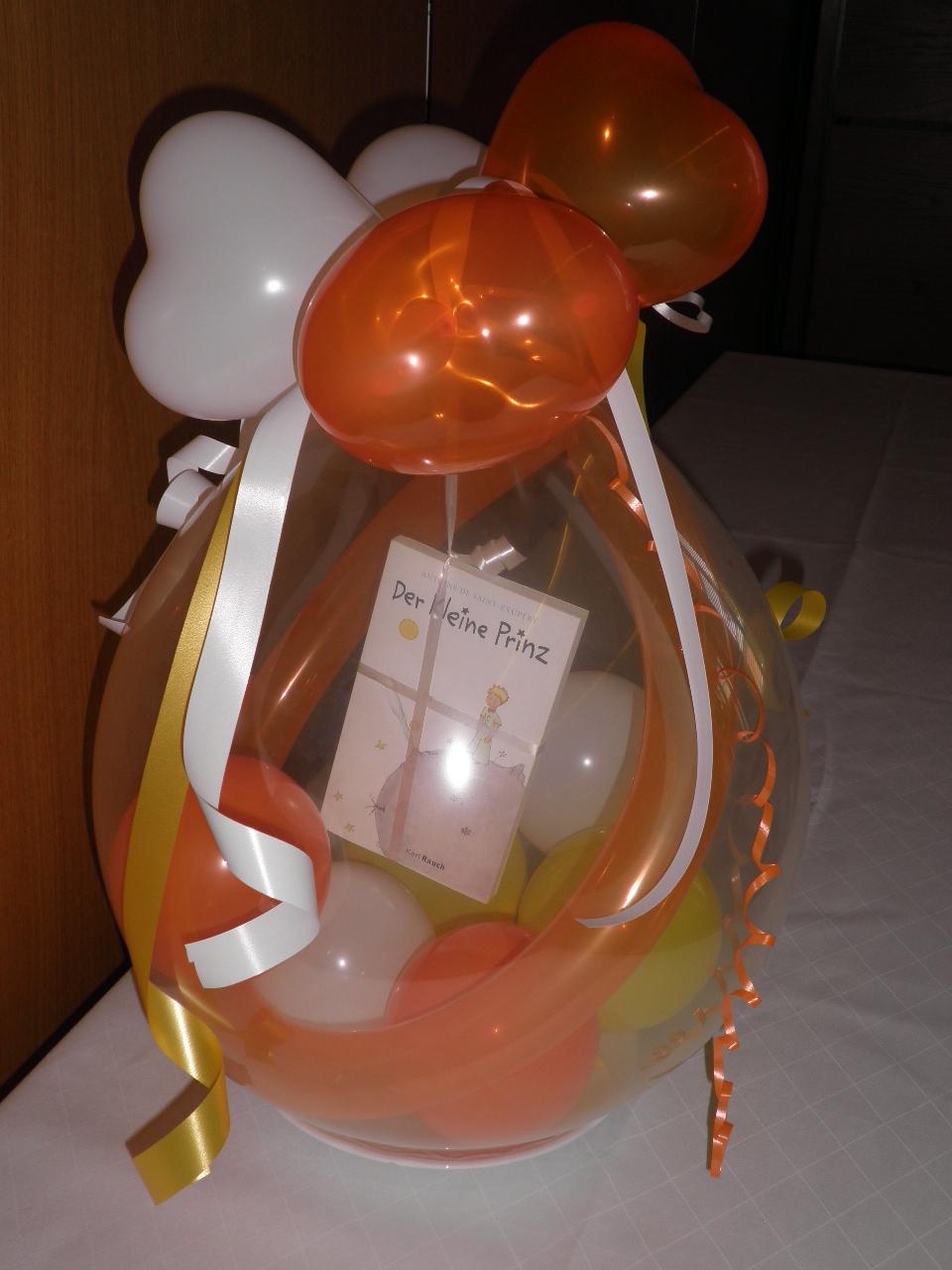 Geschenk im Ballon